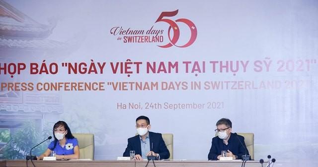 ngay-viet-nam-tai-thuy-sy-nam-2021-dulichvn-dulichvietnam-1632552579.JPG